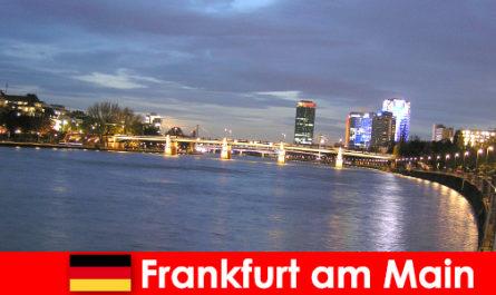 नोबेल होटल में फ्रैंकफर्ट के शहर के लिए विशेष लक्जरी यात्राएं मुख्य हूं