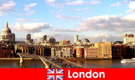 इंग्लैंड के लंदन शहर में पर्यटकों के लिए अवकाश गतिविधियों