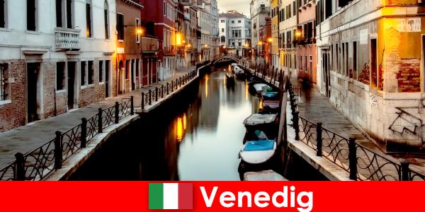 वेनिस में करने के लिए शीर्ष चीजें – शुरुआती लोगों के लिए यात्रा सुझाव