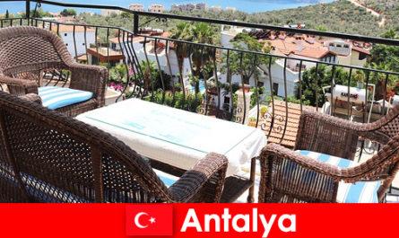 तुर्की में आतिथ्य एंटाल्या में पर्यटकों द्वारा फिर से पुष्टि की है