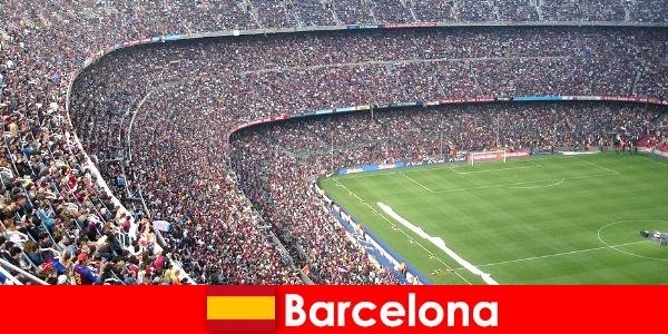 बार्सिलोना खेल और साहसिक के साथ पर्यटकों के लिए एक सपना यात्रा