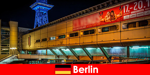 पफ वेश्यालयों और नोबल एस्कॉर्ट मॉडल के साथ बर्लिन नाइटलाइफ़ का अनुभव करें