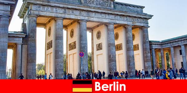 एक छोटी छुट्टी के लिए बर्लिन शहर के दौरे सुपर आइडिया