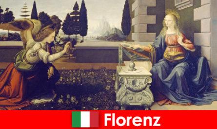 पर्यटकों को दृश्य कला के लिए फ्लोरेंस के सांस्कृतिक महत्व पता