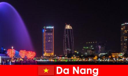 दा नांग वियतनाम के लिए नए चेहरे के लिए एक भव्य शहर