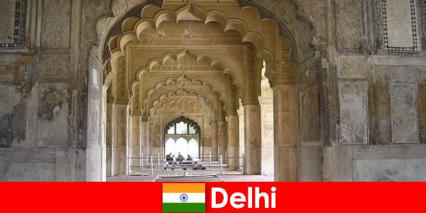 अजनबियों को भारत में दिल्ली की सांस्कृतिक यात्राएं पसंद हैं