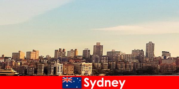 सिडनी विदेशियों के बीच दुनिया के सबसे बहुसांस्कृतिक शहरों में से एक के रूप में जाना जाता है
