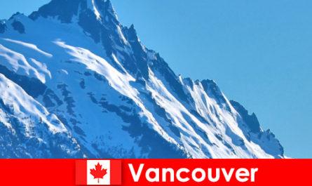 कनाडा में वैंकूवर शहर पर्वतारोहण पर्यटन का मुख्य लक्ष्य है