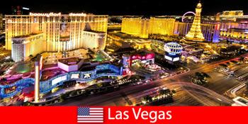 दुनिया भर से मेहमानों के लिए लास वेगास संयुक्त राज्य अमेरिका में चमकदार गेमिंग स्वर्ग
