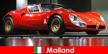मिलान इटली हमेशा दुनिया भर से कार प्रेमियों के लिए एक लोकप्रिय गंतव्य