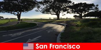 सैन फ्रांसिस्को संयुक्त राज्य अमेरिका में बाइक से विदेशियों के लिए अन्वेषणात्मक यात्रा