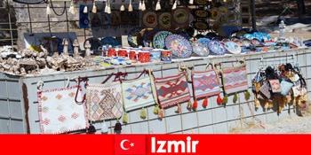 इज़मिर तुर्की के बाजार जिलों में अजनबियों के लिए टहल अनुभव
