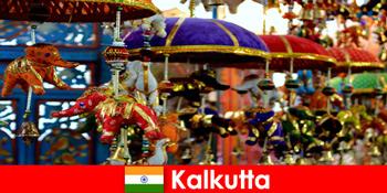 कलकत्ता भारत पर रंगीन धार्मिक समारोह अजनबियों के लिए एक यात्रा टिप