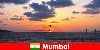 एशिया के लिए यात्री मुंबई भारत में आधुनिकता और परंपरा के बारे में भावुक हैं