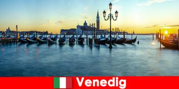 वेनिस इटली के फ्लोटिंग शहर के लिए जोड़ों के लिए रोमांटिक हनीमून