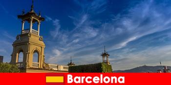 बार्सिलोना स्पेन में पुरातात्विक स्थलों उत्साही इतिहास पर्यटकों का इंतजार