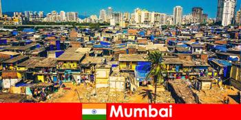 मुंबई भारत में, यात्रियों को इस अद्भुत शहर के विरोधाभासों का अनुभव