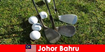 अंदरूनी सूत्र टिप-Johor Bahru मलेशिया सक्रिय पर्यटकों के लिए कई शानदार गोल्फ कोर्स है