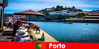 पोर्टो पुर्तगाल में बंदरगाह पर महान मछली रेस्तरां के लिए कम टूट के लिए गंतव्य