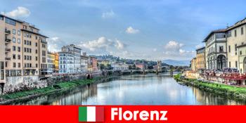 फ्लोरेंस इटली ब्रांड्स सिटी के लिए कई अजनबियों