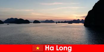 विदेश से तनावग्रस्त पर्यटकों के लिए हा लांग वियतनाम में सही छुट्टी