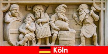 यूरोपीय साप्ताहिक मेहमानों के लिए कोलोन जर्मनी में स्थानीय व्यंजनों के साथ शराब की भठ्ठी कला